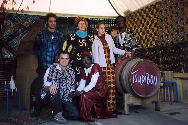 décor stand fête du millésime 2004 domaine de la tour du bon