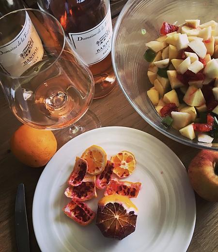 Bandol rosé Domaine de la Tour du Bon avec une une salade d'agrumes, et écorces d'orange sanguine